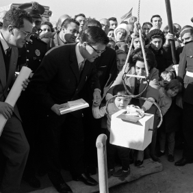 "Placing the First Stone on the land designated to the building of accommodations for the migrants of the cooperative ""La Giralda"". 1967 Archive Gélan"