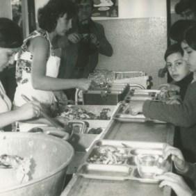 Colegio La Valette T.Cabestero, children eating in the dining room.