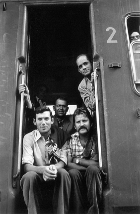 Grape-gathers from Murcia in the train directed to the vineyard of Beziers. September 1977 Photographer: Pablo L. Monasor