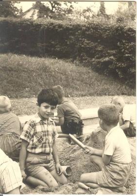 Carlos Iglesias in Oberuzwil Kindergarten, Swiss 1962