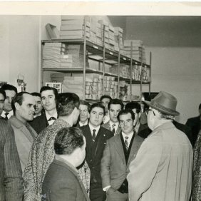 Group picture of emigrant visiting one of the textile factories that offered work, 1964, Germany