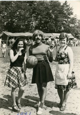 """Manuel Ramirez, founder and coach of the football club """"Married and single woman"""". Brussels 1971"""