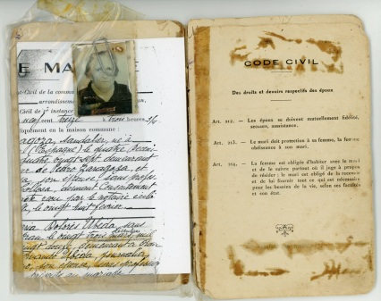 Family book Emmanuel's parents Zaragoza, Xrissoula Krissoula husband issued by the French administration in Oran