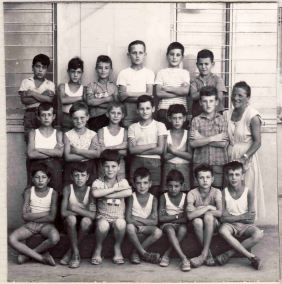 Photo of group of children of Italian immigrants to Hennuyères. 1953-1955