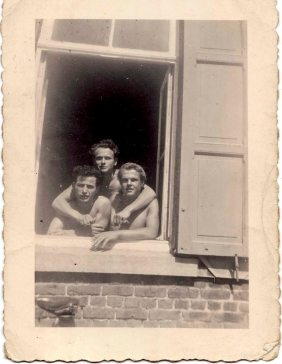 Michele Londaro with colleagues in the barracks near the Quenast in the first half of the fifties. Quenast 1950