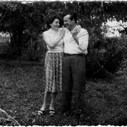 Cesare Mattiello and Jole Mattiello Trevisa in the garden of the house of the Barons at which they worked. 1954