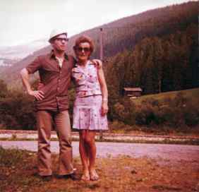 Isella Furlan with her husband Louis on a trip in the Swiss mountains. 1973