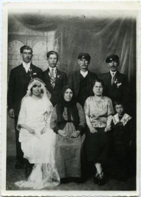 La familia materna de Georges Charitos (años 30)
