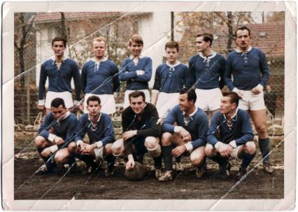 The formation of the amateur team FV Kaltental with Paul Ionico, second down from right.Stuttgart 1969