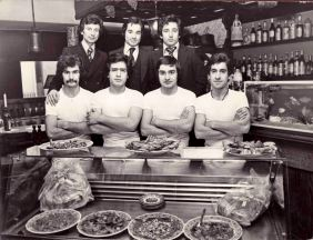 Group portrait in the interior, with Iorio, Luigi (Naples) and the employees of the little Italian restaurant. Bochum 1977